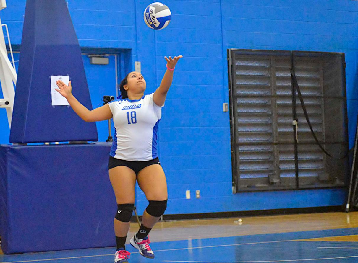 Women's Volleyball Wins Five-Set Thriller at York in Season Opener