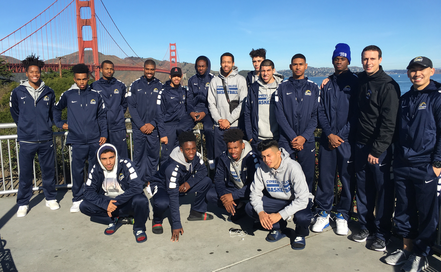 Men's Basketball Finishes 2nd at San Francisco Tournament