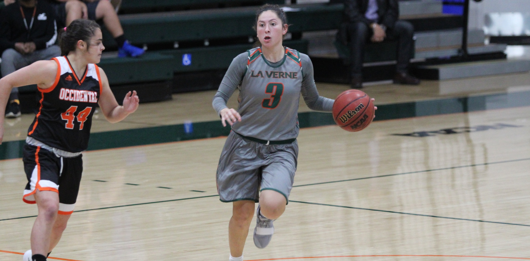 Leopards roll past Oxy at home