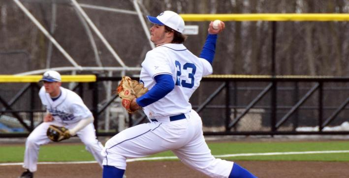 Mueller, Burgert lead Baseball to key NAC sweep over Dominican