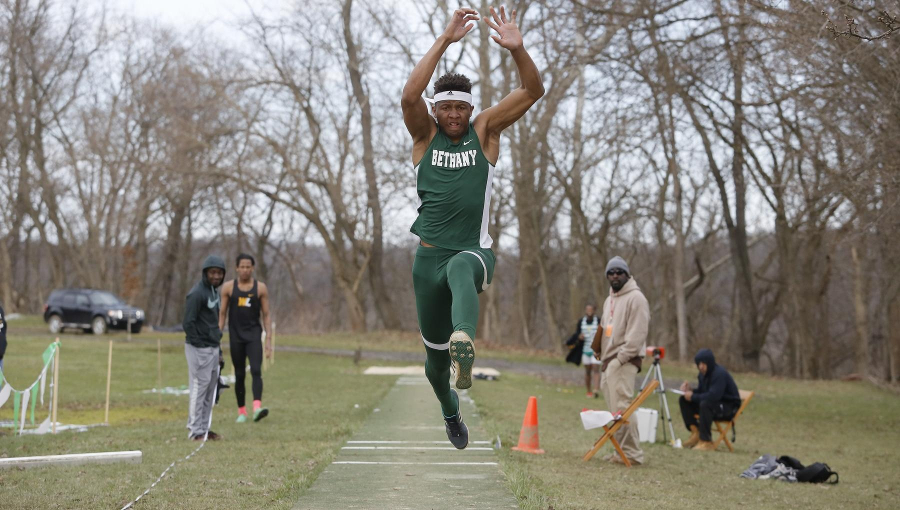 Sallah-Mohammed breaks two school records at ECAC Outdoors