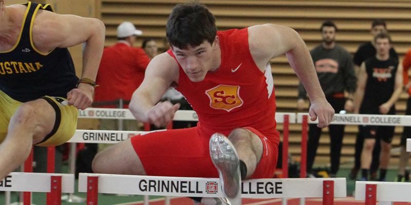 Men's track and field wins Grinnell Invite