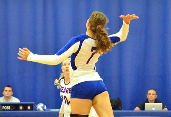 Volleyball sweeps on day one at Brandeis Invitational