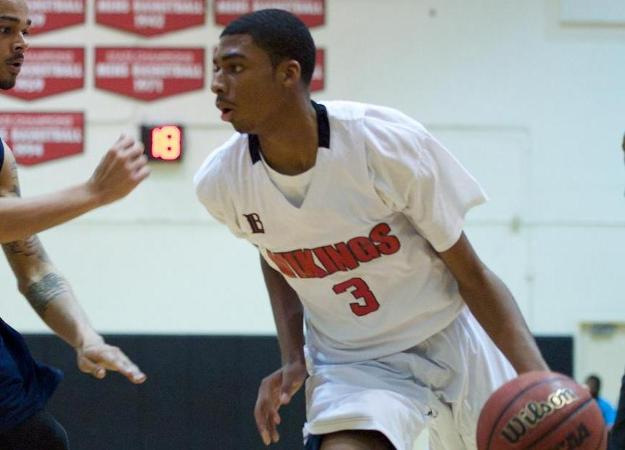 Freshman Elijah Gaines scored a team-high 23 points in LBCC's win over Compton (Photo by John Fajardo)