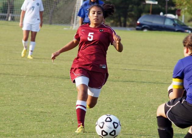 Roanoke Tops Guilford, 6-1, in ODAC Women's Soccer Opener