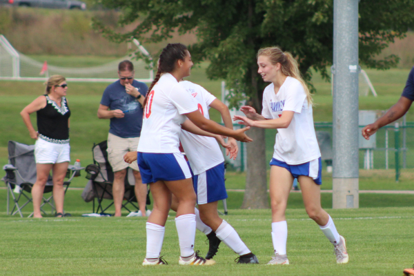 Swiatly Leads Women's Soccer to 3-0 Conference Victory
