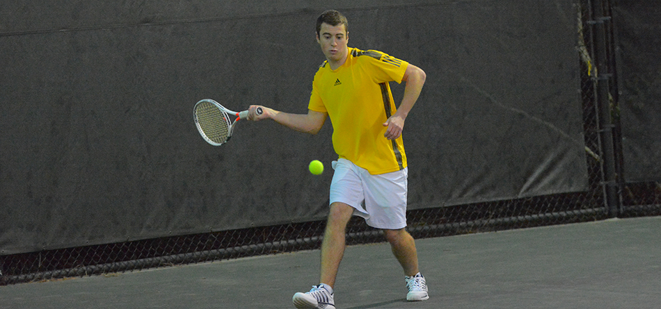 Men's Tennis Wraps Up Spring Break with Victory Over Cornell (Iowa)