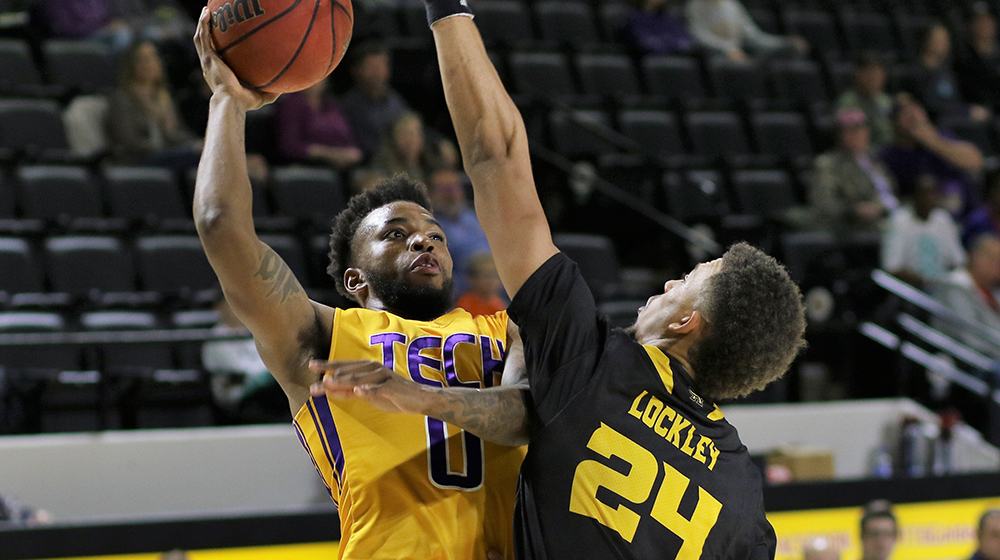 Tech basketball kicks off three-game road stretch at Furman