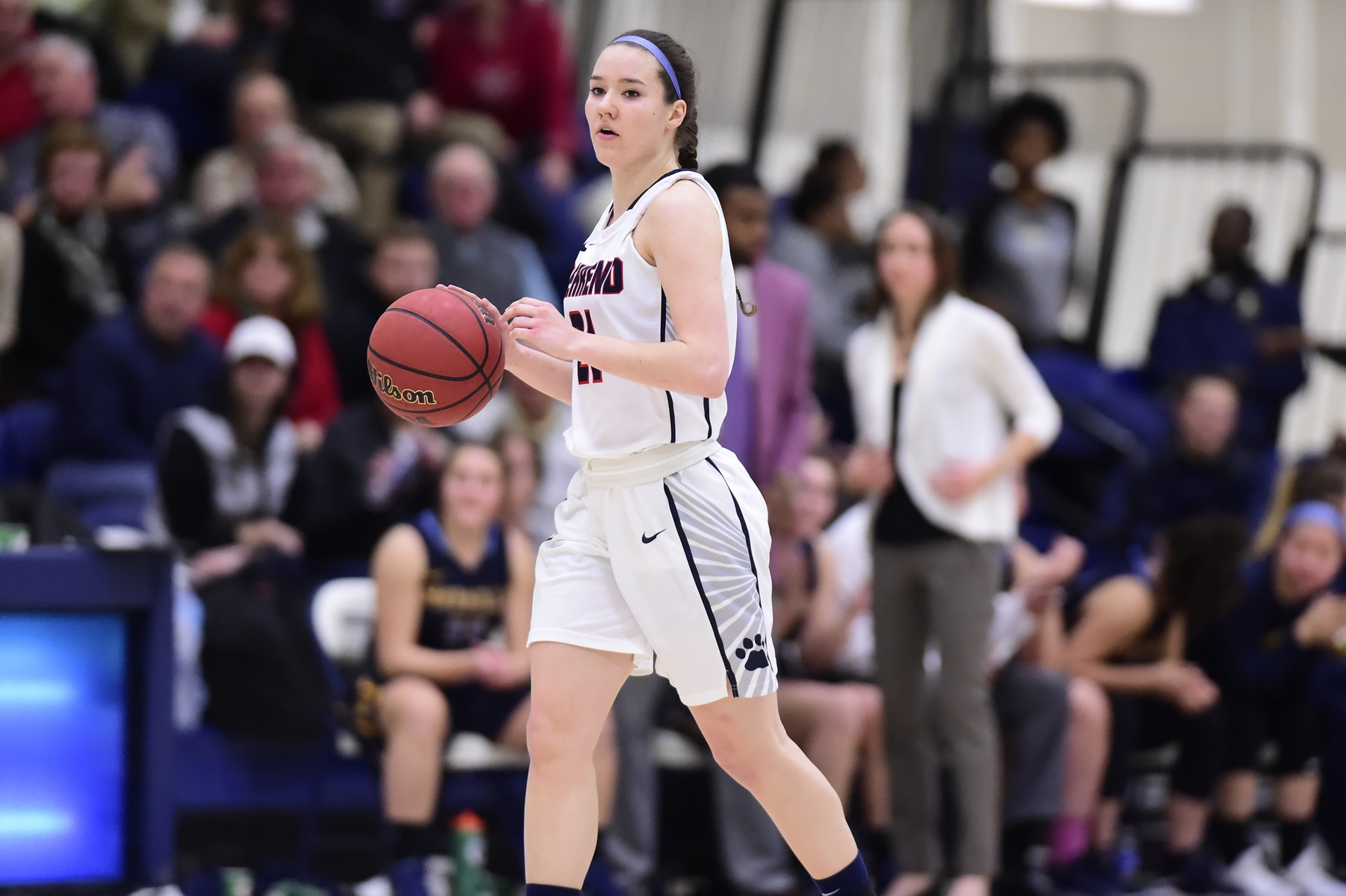Women's Basketball Upsets Hilbert; Lions Secure Spot in AMCC Playoffs