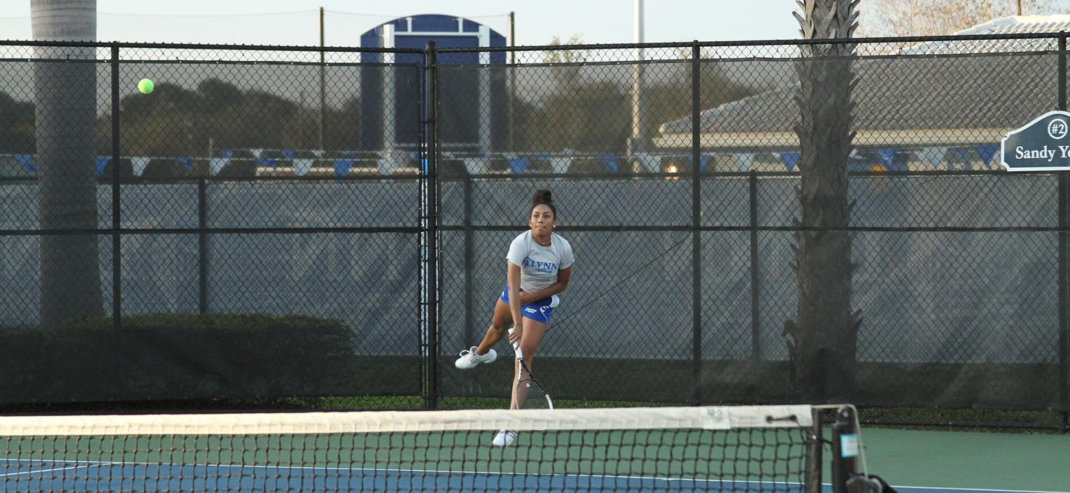 Women's Tennis Opens Season with Sweep