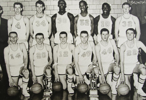 ICC to Induct 1963 championship basketball team into Hall of Fame