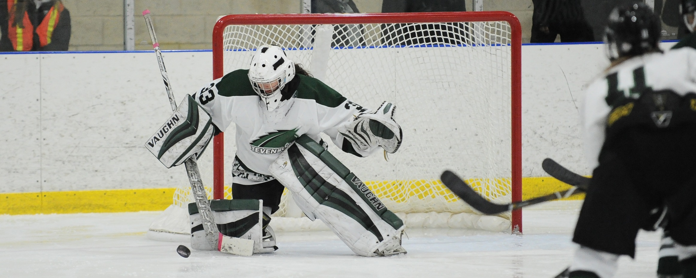 Smyth-Hammond's 37 Saves Leads Mustangs in 1-1 Tie at UMass Boston