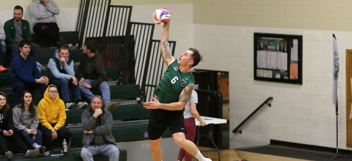 Karl delivers in final home match as Gators beat SVC, 3-0