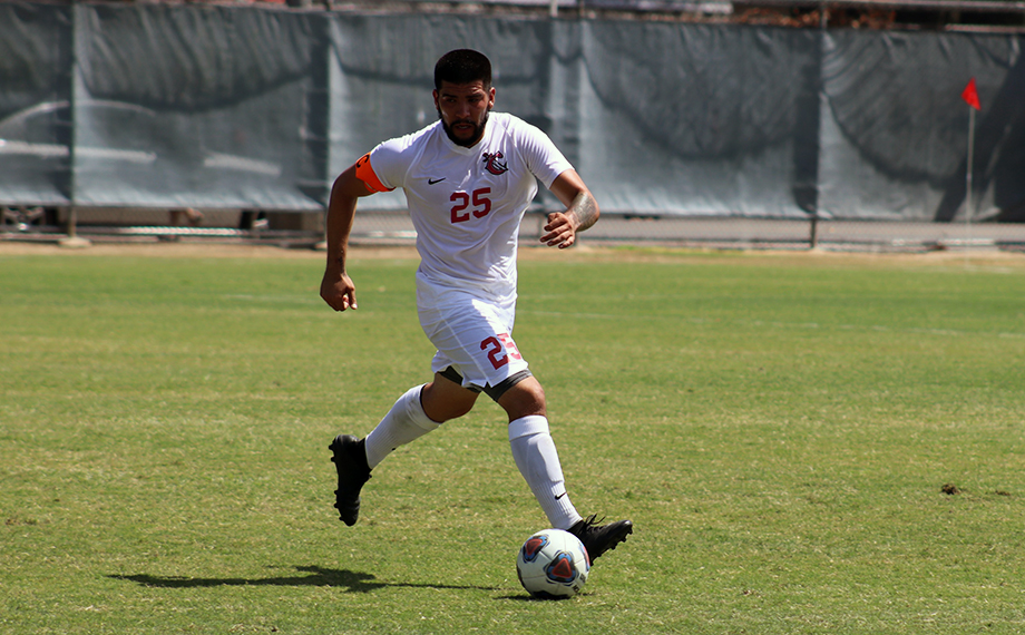 Men's Soccer Outlasted by Cerritos