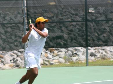 Men's Tennis Sweeps Second Day in Orlando