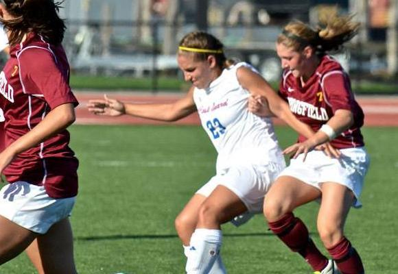 Women's Soccer Knocks Off Mount Holyoke