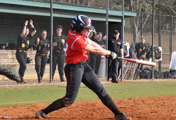 Softball: Panthers split with Agnes Scott on Senior Day