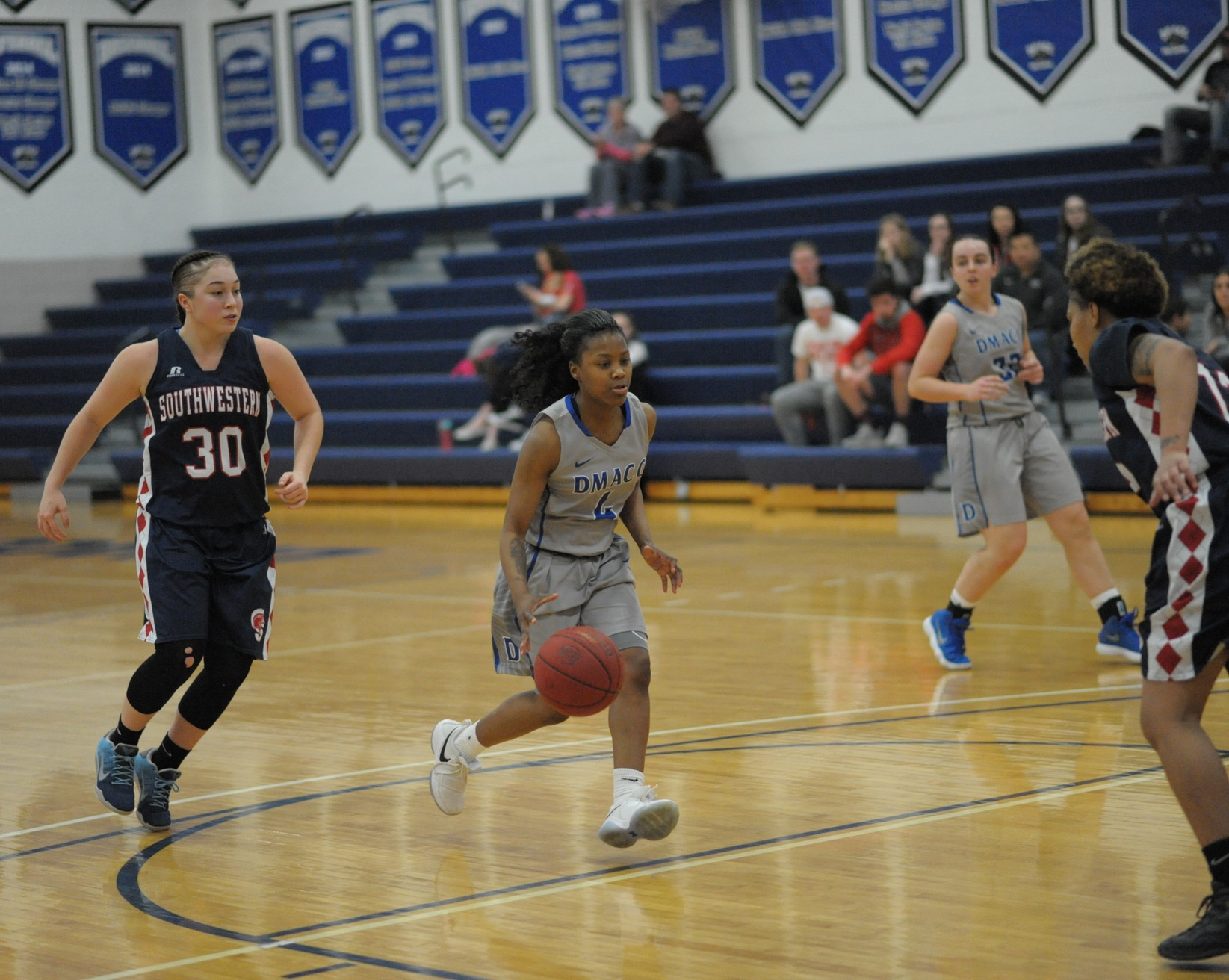 DMACC Women's Basketball Team Escapes Southwestern in OT, 67-63