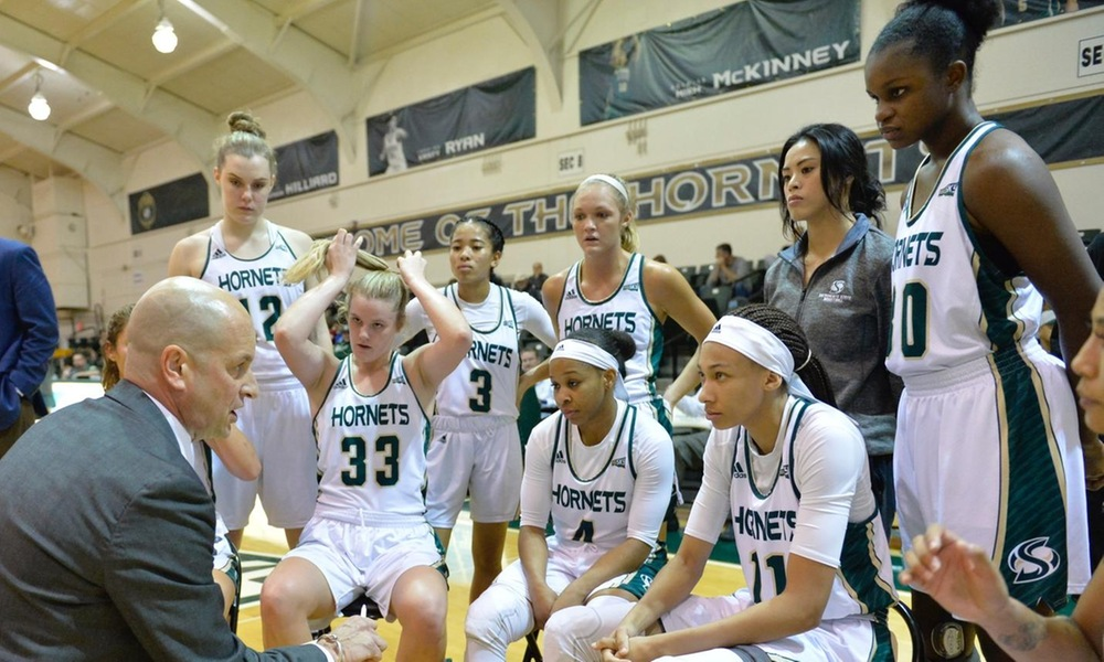 WOMEN'S HOOPS DROPS FIRST HOME GAME OF THE SEASON IN 83-72 LOSS TO EASTERN WASHINGTON