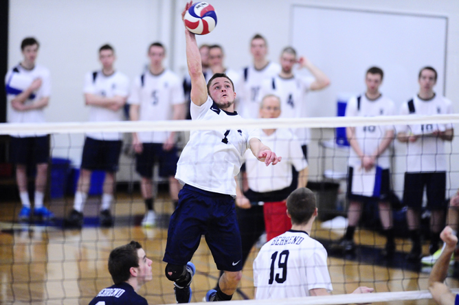 Thiel Sweeps Men's Volleyball