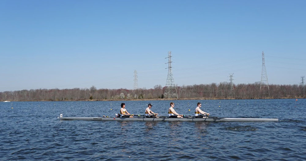 Rowing Kicks Off 2018 Fall Season at the Textile River Regatta