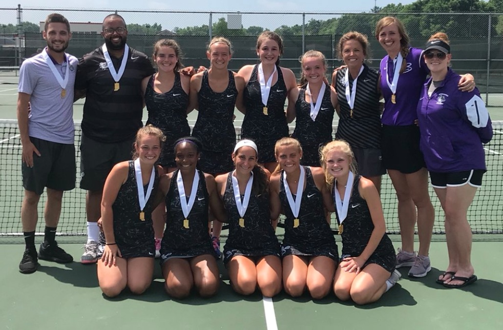 Girls Tennis Competes at State