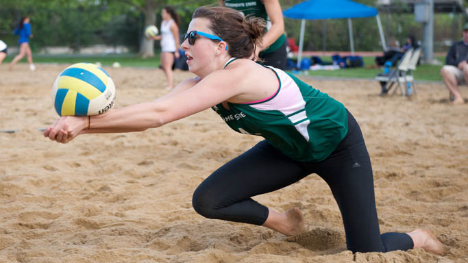 SAND VOLLEYBALL CONCLUDES SEASON BY SPLITTING ITS FINAL TWO MATCHES