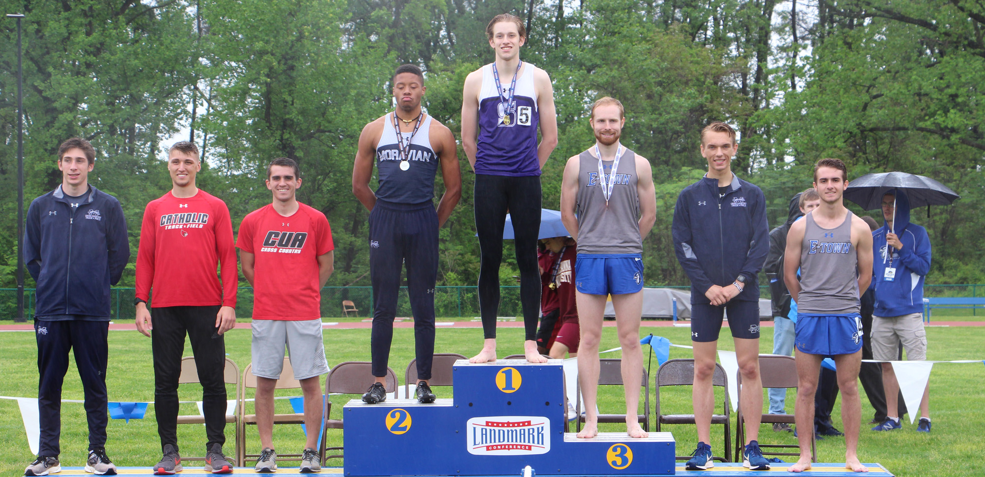 Sophomore Matt Kinback won the 800 meter run on Sunday to lead Scranton to a tie for fifth place at the Landmark Conference Championships.