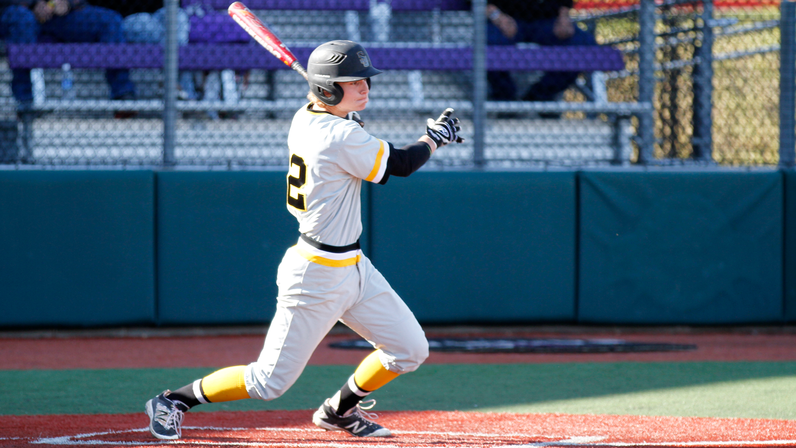 Baseball splits to close out Firehouse Classic on Saturday
