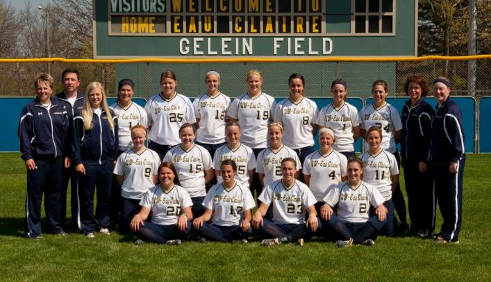 Blugold Softball Earns 2012 NFCA Top 10 All-Academic Honors