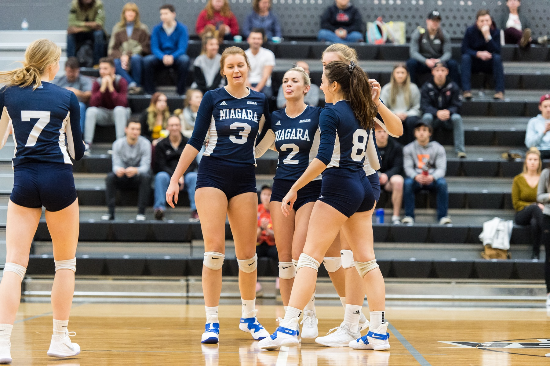 RECAP: Women's volleyball take down opponents on weekend road trip