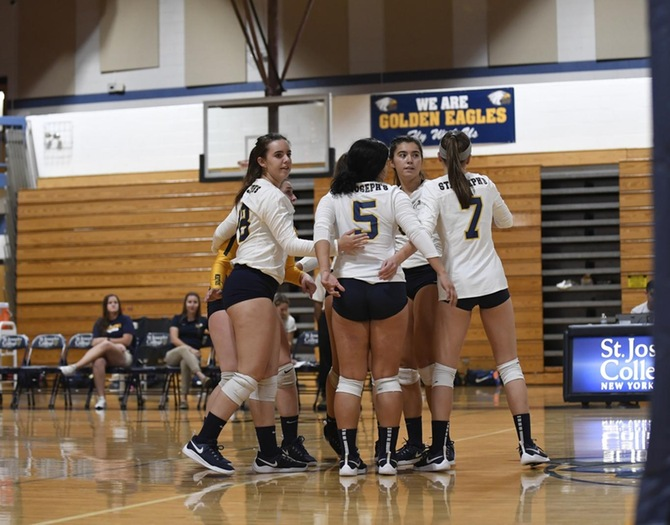 Women's Volleyball Eliminated in Five Set Thriller