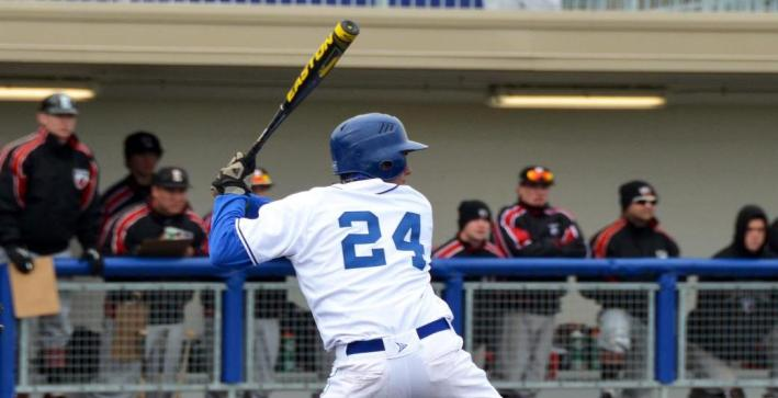 Baseball falls to No. 3 UW-Whitewater in regular season finale