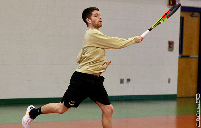 Men's Tennis Loses 5-2 Decision to Endicott, Nine Sets Decided by Two Points or Less
