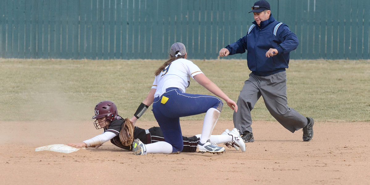 Evangel Softball Splits Doubleheader with Cottey College