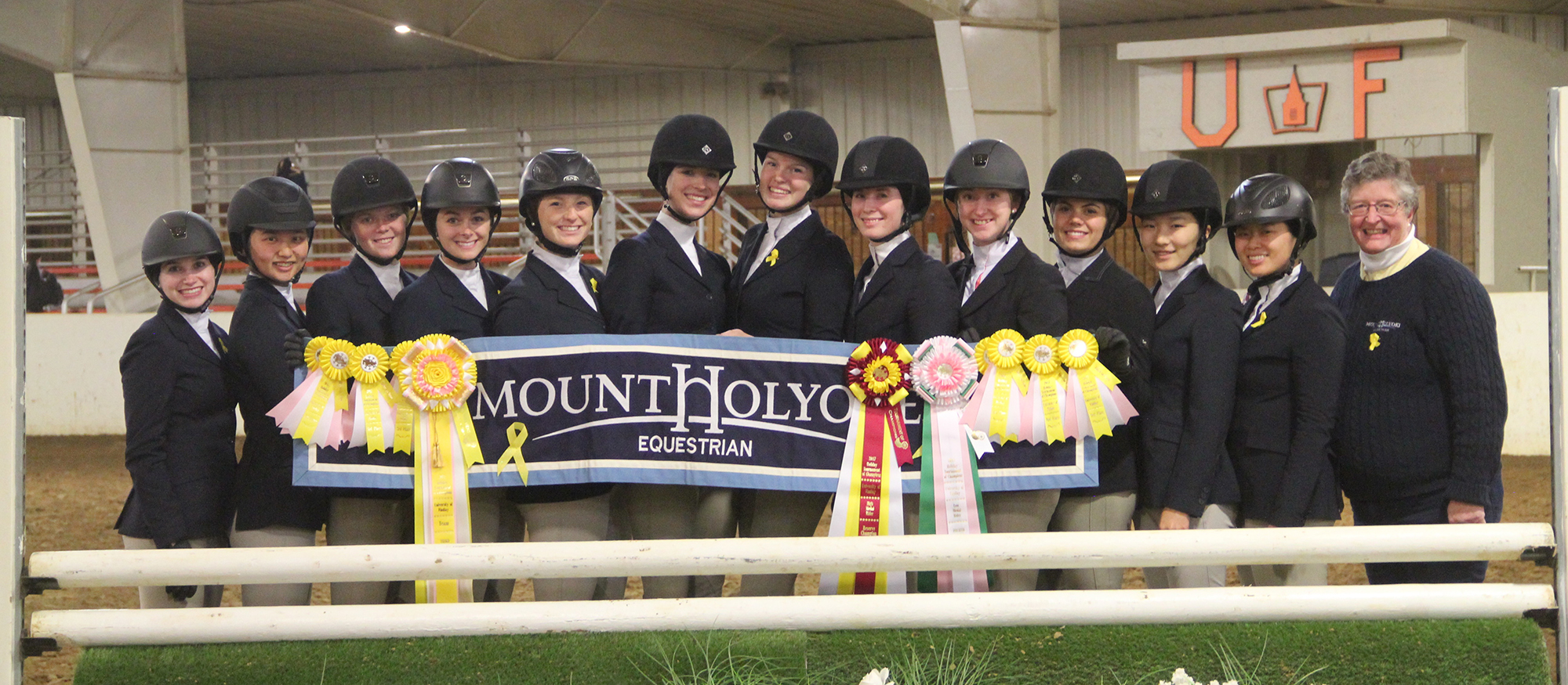 Photo of the Lyons riding team at the 2017 Holiday Tournament of Champions event.