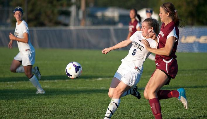 Stone's Penalty Kick Leads Blugolds Past Pioneers