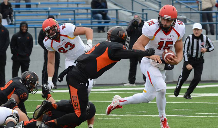 #4 Ferris State Pulls Off Comeback Road Win Over Findlay To Stay Unbeaten