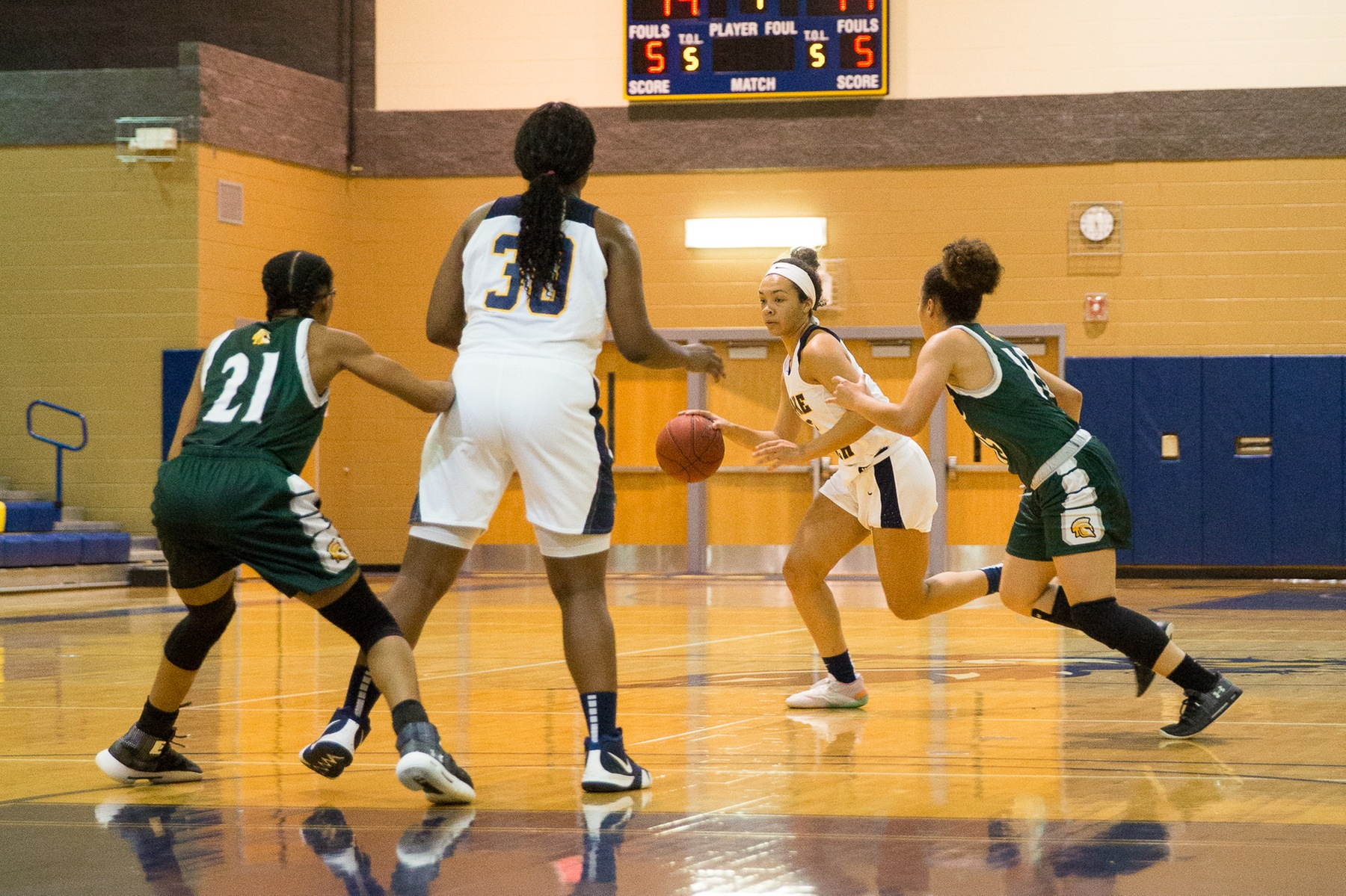 WBB: Eagles Look to Extend Streak