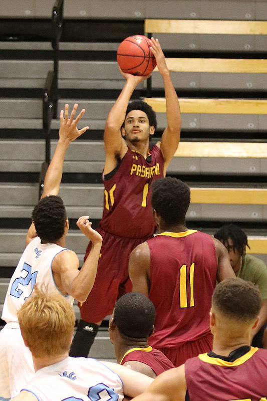 Letterman guard Josiah Woods helped PCC win its 2018-19 season opener, a double-OT thriller over Moorpark at Ventura College on Thursday, photo by Richard Quinton.