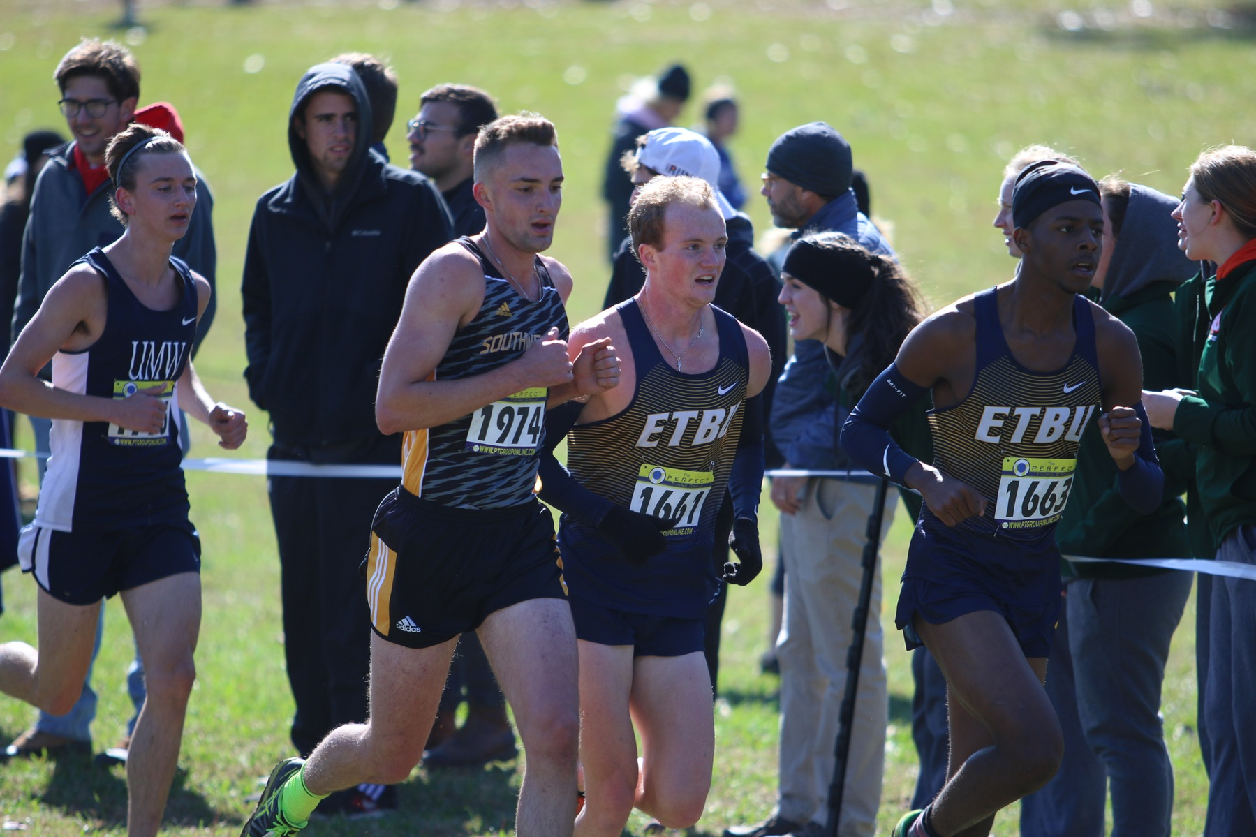 Men's Cross Country Finishes In The Top Half at NCAA Regional