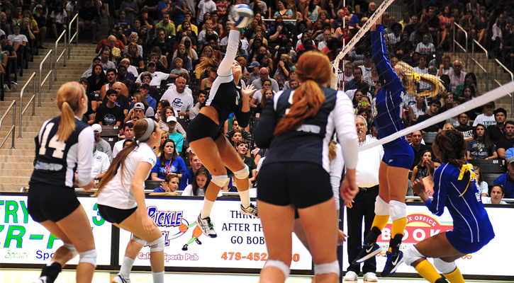Bobcat Volleyball Beats Montevallo in Marathon, 3-2