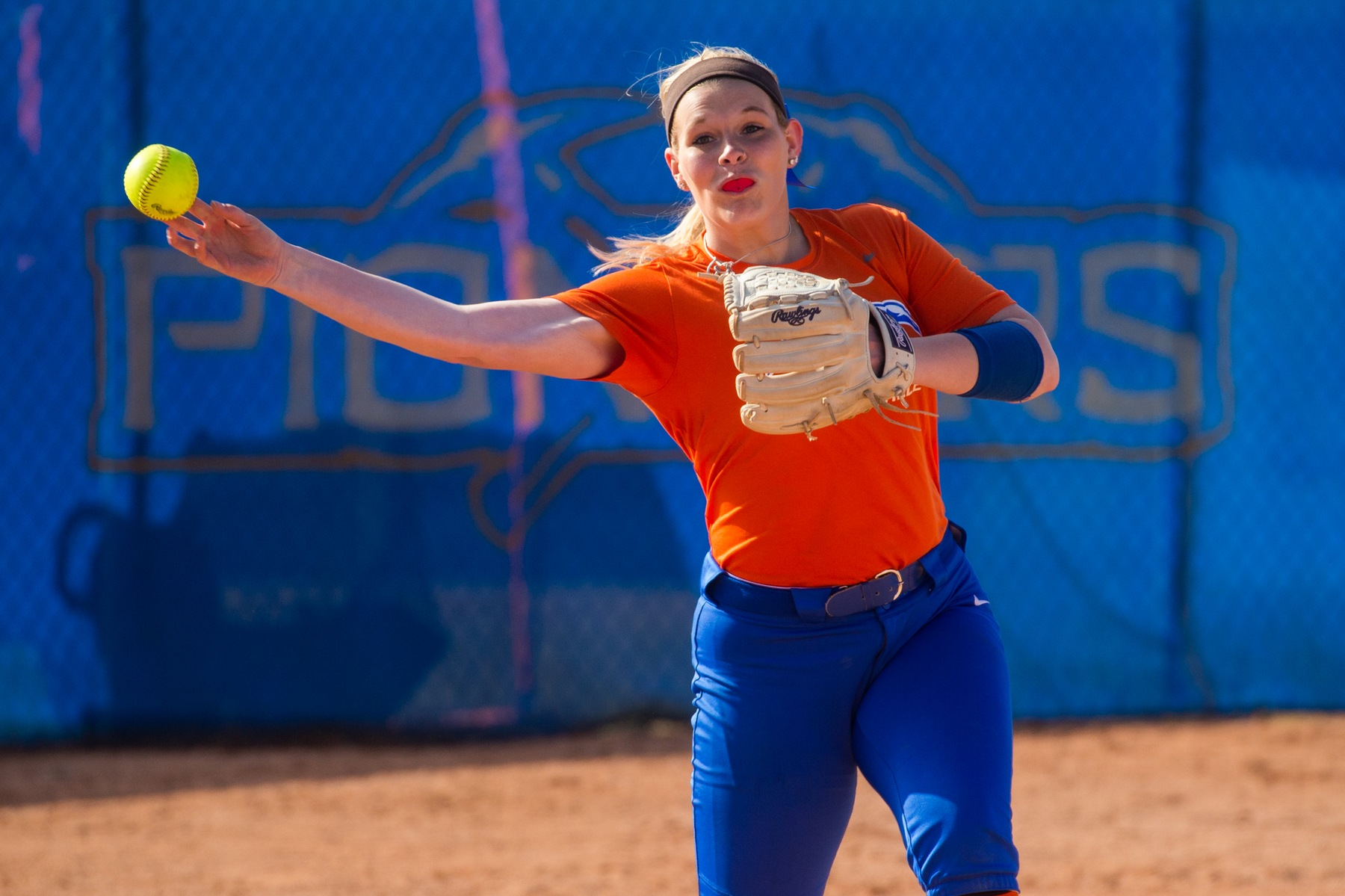 Pioneers drop two games in Arizona