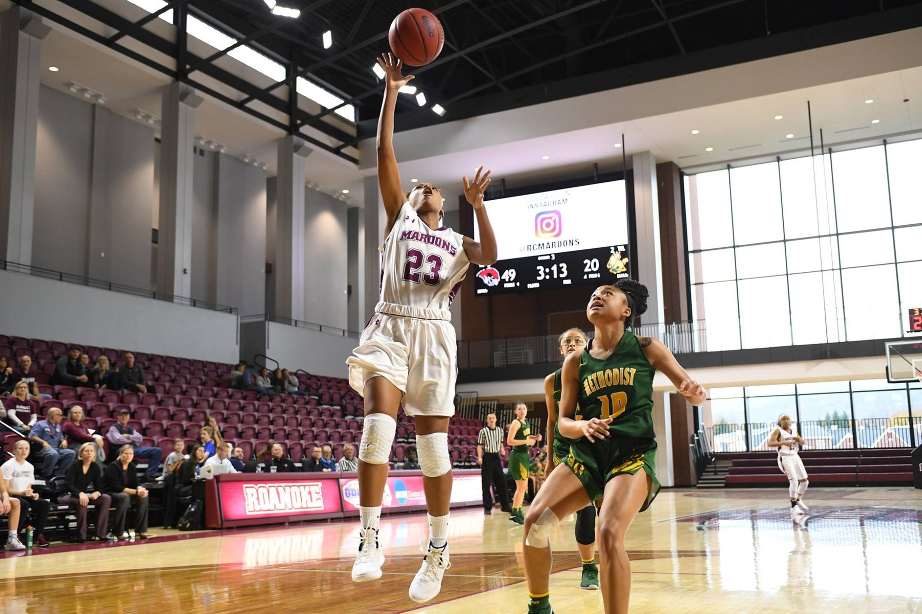 Roanoke Scores 66-49 Win Over W&L