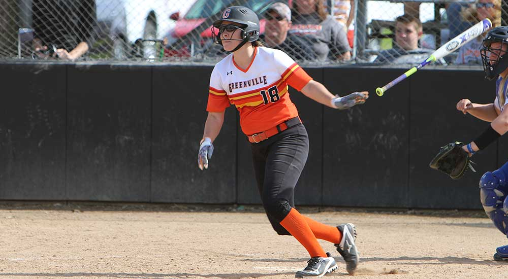 Softball sweeps doubleheader from Principia
