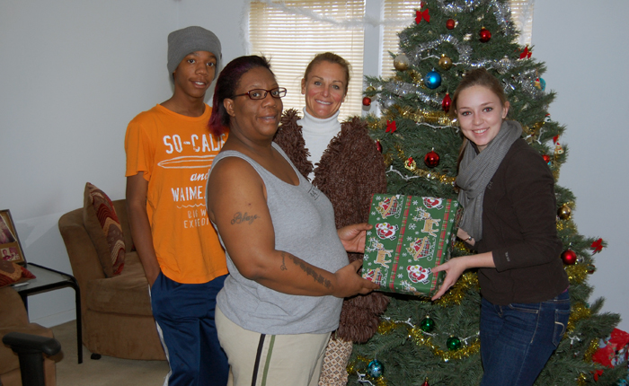 Student-Athlete Advisory Committee Helps Adopt a Family on Christmas