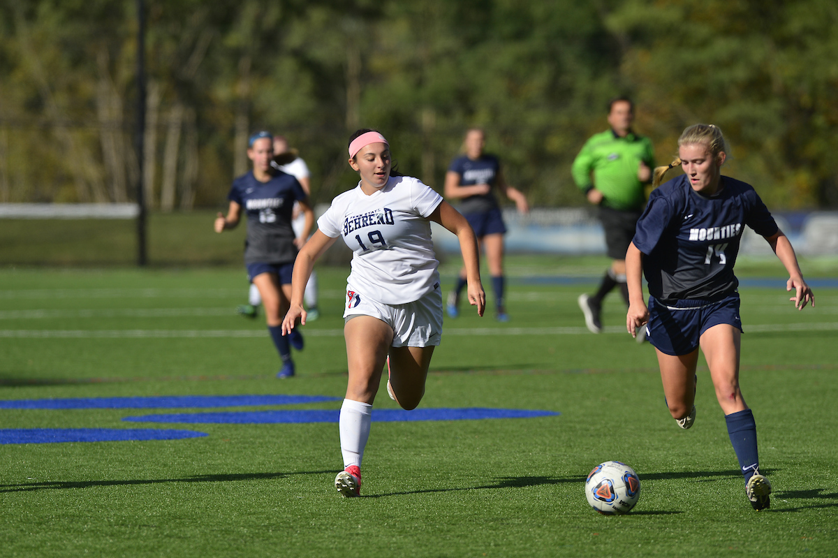 Scoring Frenzy Lifts Women's Soccer Past Altoona