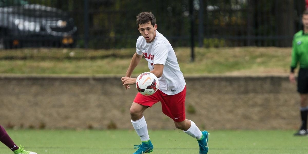 Men's Soccer Cruises to Victory in Season Opener, 8-1