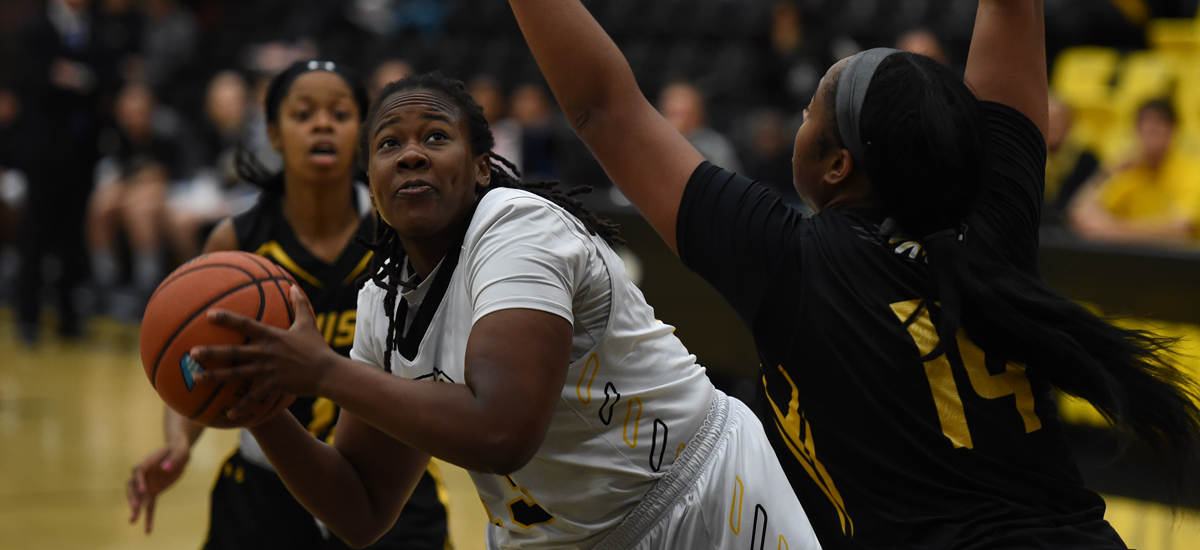 Women's Basketball Drops Sunday Contest to Princeton, 69-58