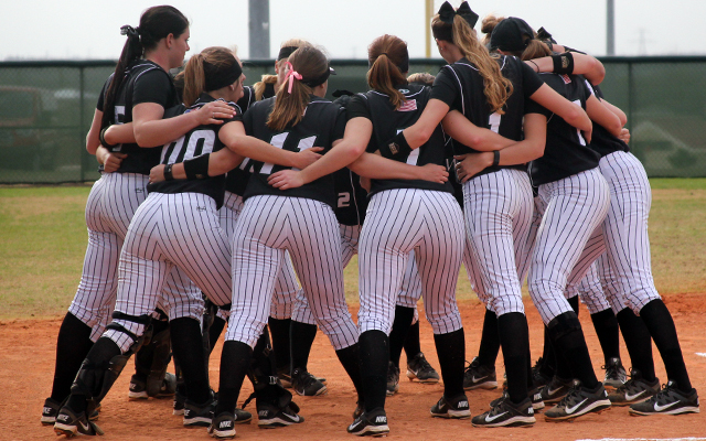 Wilmington Softball Finishes Florida Trip with Losses to Minot State and American International